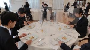 高等課程2年テーブルマナー研修_210617_12